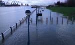 YOUTUBE Londra, allerta inondazioni: Tamigi oltre gli argini