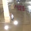 VIDEO YOUTUBE Filmato mentre fa pipì sul monumento ai caduti 5