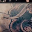 YouTube - Ubriaco, si sveglia con pene tatuato sulla gamba2