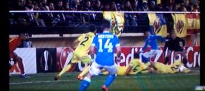 Guarda la versione ingrandita di Villarreal - Napoli, rigore negato: fallo di mano