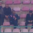 Napoli, Sarri fuma in tribuna dopo l'espulsione. Immagini Mediaset Premium