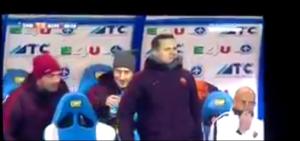 Empoli - Roma, Totti show in panchina: scherzi, risate VIDEO