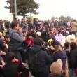 Migranti sfondano confine Grecia-Macedonia. Sgombero Calais