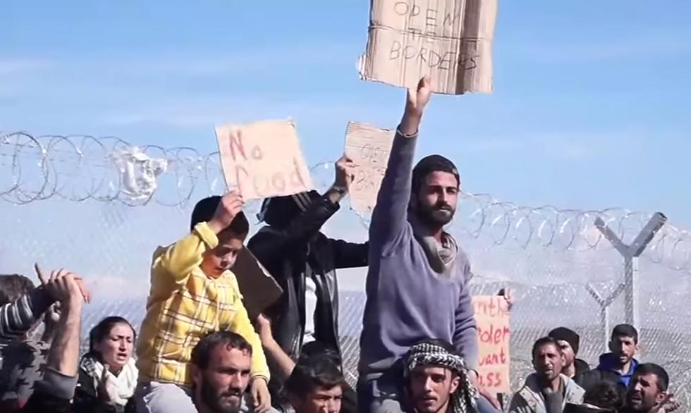 Migranti sfondano confine Grecia-Macedonia. Sgombero Calais 6