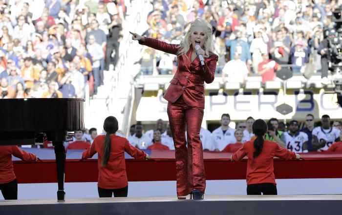 Superbowl Lady Gaga canta inno americano