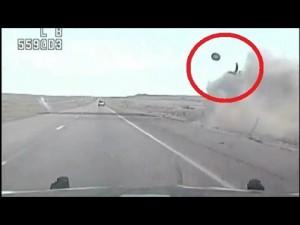 Vola fuori da abitacolo dopo incidente 5