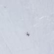 YOUTUBE Cade da sci e scivola per 300 metra su neve, illesa6