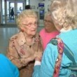 YOUTUBE Conosce la madre per la prima volta 82 anni dopo3
