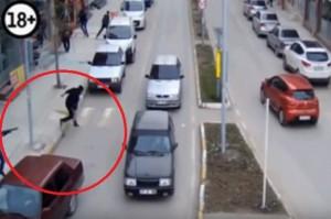 YOUTUBE Turchia, freddato in pieno giorno col fucile a pompa
