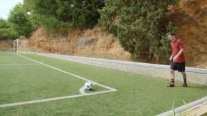 YOUTUBE - Messi colpisce la traversa al primo tentativo