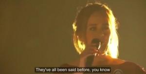 Adele ai Grammy's stona e il microfono si spegne