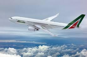 Guarda la versione ingrandita di Malore sul volo Brindisi-Roma: deputato salva passeggero