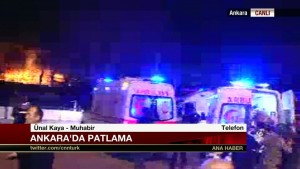 Guarda la versione ingrandita di Ankara, esplosione vicino base militare. Molti feriti
