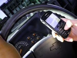 Assicurazione auto: app sul telefono e paghi come guidi