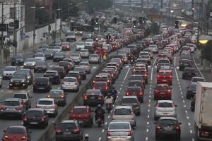 Anas dice che usiamo di più l'auto: traffico +4,3%