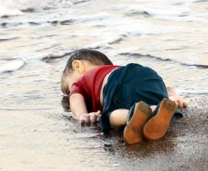 Migranti, Egeo: da settembre annegano due bambini al giorno