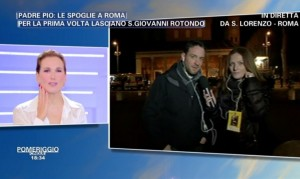 """Barbara D'Urso, epic fail su faccia """"intatta"""" di Padre Pio"""
