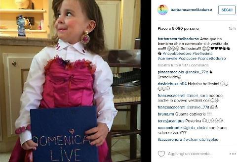 Bambina mascherata da Barbara D'Urso, lei posta la FOTO e...