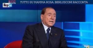 """Berlusconi in tv: """"Mamma Rosa mi diede solo uno schiaffo"""""""