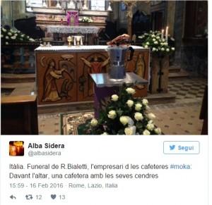 Guarda la versione ingrandita di Renato Bialetti, ceneri in una Moka...FOTO funerale