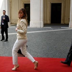 """Guarda la versione ingrandita di Tinto Brass """"chiama"""" Maria Elena Boschi per un film…"""