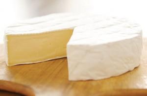 Formaggi, rischio infezione: allerta listeria per camembert