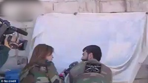 YOUTUBE Siria: cameraman ferito in diretta per intervista