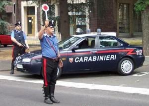 Guarda la versione ingrandita di Polizia, carabinieri, aumento beffa: 3,5 euro al mese