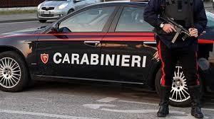 Massa Carrara: picchia carabiniere al posto di blocco