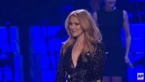 YOUTUBE Celine Dion sul palco dopo morte marito: si commuove