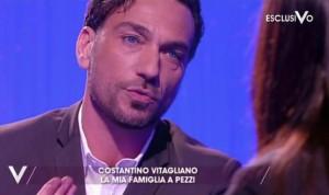 """Guarda la versione ingrandita di Costantino Vitagliano: """"La mia famiglia a pezzi"""""""