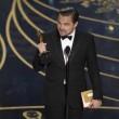 YOUTUBE Leonardo DiCaprio vince Oscar, la sua reazione 01