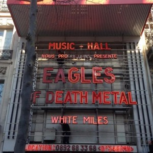 """Eagles of Death Metal a Parigi. """"Tutti devono avere armi"""""""