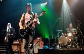 Eagles of Death Metal in tour, tre date in Italia<br /> Martedì a Parigi: chi era al Bataclan non paga
