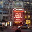 Eagles Death Metal tornano a Parigi 3 mesi dopo6