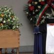 Funerale Umberto Eco, folla al Castello Sforzesco FOTO-VIDEO
