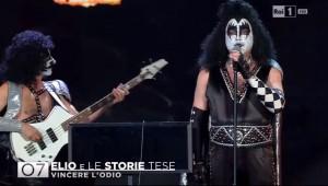 Guarda la versione ingrandita di Sanremo 2016, Elio e le Storie Tese in versione Kiss FOTO