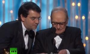 "YOUTUBE Ennio Morricone vince Oscar: ""Grazie a mia moglie"""