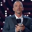 """Sanremo, Eros Ramazzotti canta """"Più bella cosa"""" e... VIDEO"""
