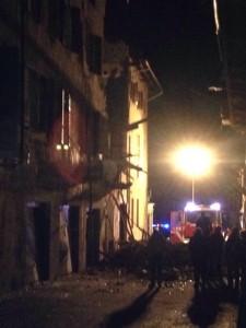 Sagliano Micca, esplosione sventra casa: si cerca disperso