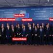 FOTO- Renzi dov'è nascosto nella foto di leader a Bruxelles?