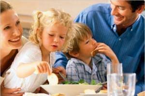 Famiglia oggi: troppi genitori violenti, non pagano alimenti