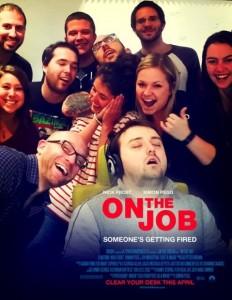 Dorme a lavoro: colleghi fanno FOTO e...parte sfottò
