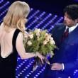 VIDEO Sanremo, Gabriel Garko sbircia lato b di Nicole Kidman