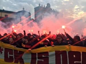 Tifosi del Galatasaray a Piazza del Popolo davanti Villa Borghese