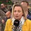 YOUTUBE Carnevale Colonia: reporter molestata in diretta tv02