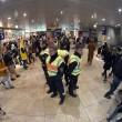 YOUTUBE Carnevale Colonia: reporter molestata in diretta tv05