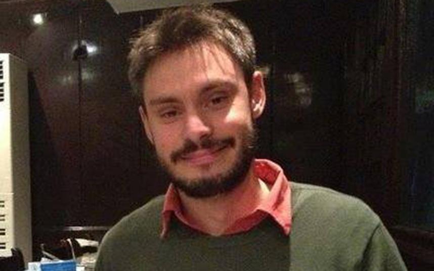 Giulio Regeni sparito al Cairo. Trovato morto in un fosso 04