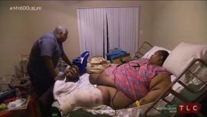 Guarda la versione ingrandita di Teretha pesa 362 kg: per 2 anni non si è mossa dal letto