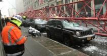 Crolla gru a Manhattan <br /> almeno un morto, 15 feriti
